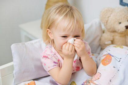 viêm mũi dị ứng trẻ em