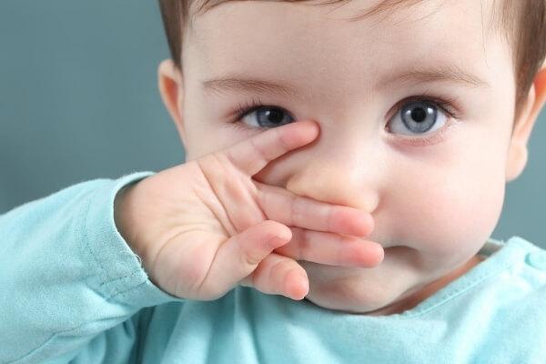 dùng xilanh khiến niêm mạc mũi bị tổn thương