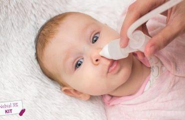 trẻ sơ sinh khụt khịt mũi