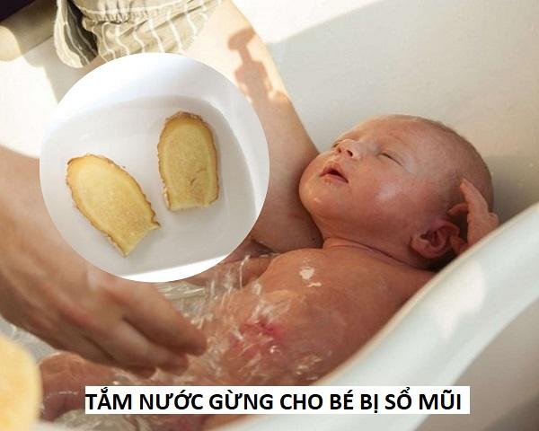 tắm nước gừng cho bé bị sổ mũi